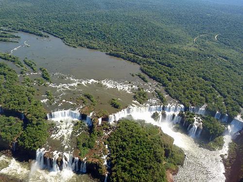 Las Cataratas de Iguazú en helicóptero: Volando en el Paraíso