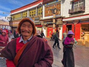 Tibetano en Barkhor (Lhasa, Tíbet)