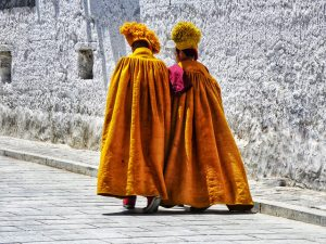Monjes tibetanos (Postales del Tíbet)