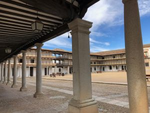 ¿Qué ver en Tembleque? Foto de la Plaza Mayor.