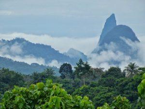 Paisaje de Santo Tomé y Príncipe (montañas de Príncipe)