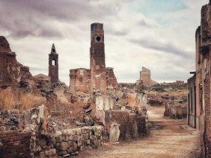 Así se ven las ruinas de Belchite Viejo (Visita al pueblo con más huellas de la Guerra Civil española)